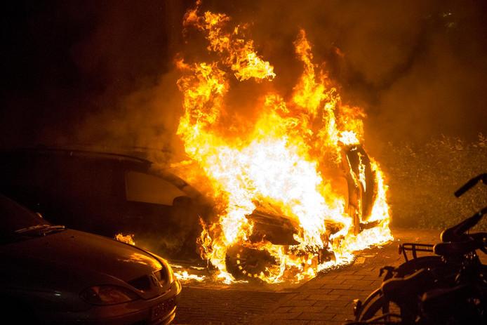 Een andere auto die eerder uitbrandde. Foto ter illustratie.