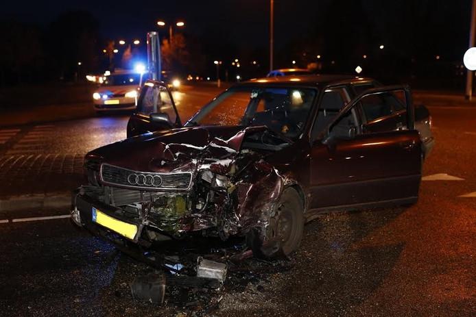 Bij een aanrijding op de N271 in Milsbeek raakte een persoon gewond.