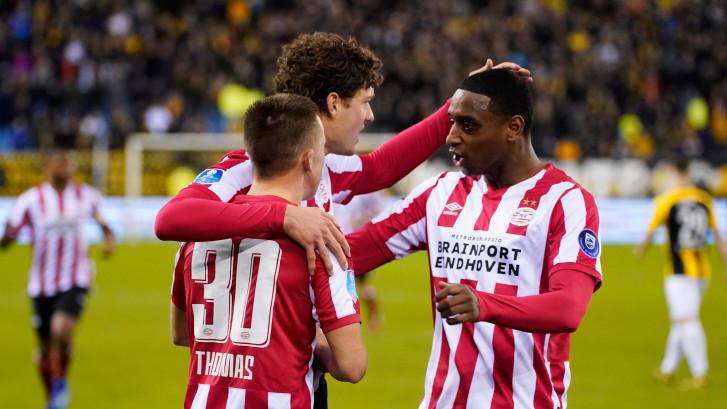 PSV leeft zorgeloos toe naar Feyenoord-thuis
