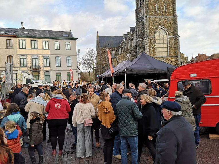 Sp.a organiseerde een nieuwjaarsdrink op het Claesplein in Lembeek.