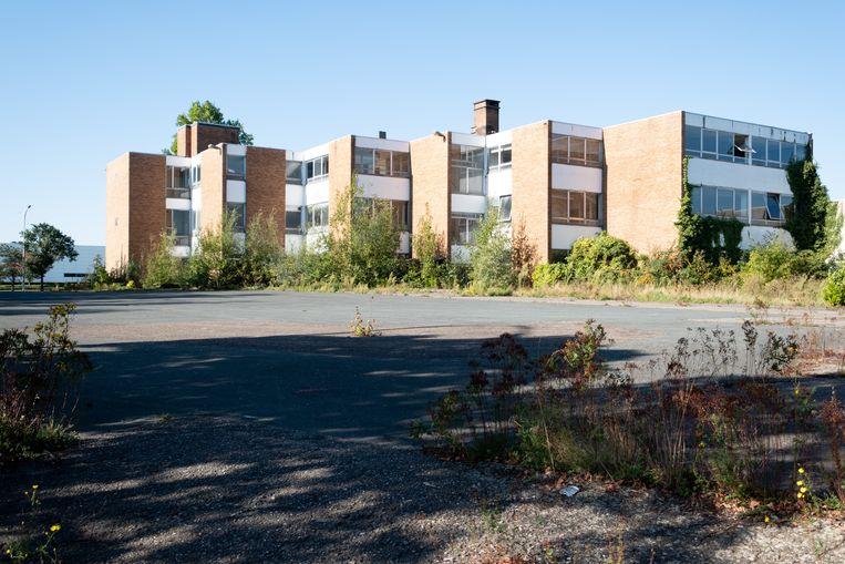 HINGENE - De gebouwen van VRD langs de N16