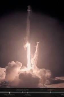 Raket SpaceX landt voor het eerst in Californië