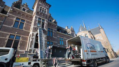 Twee gemeentehuizen verdelen taken na fusie: trouwen gebeurt in Neerpelt, administratie in Overpelt