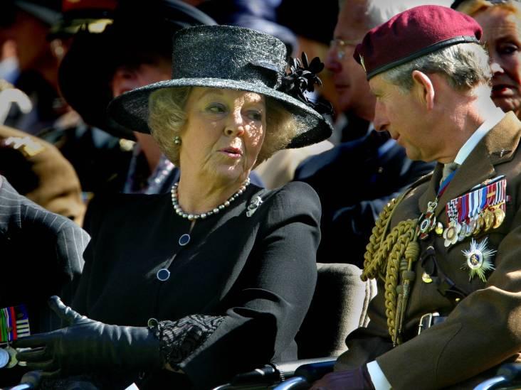 Prinses Beatrix en prins Charles bij luchtlandingen Ede