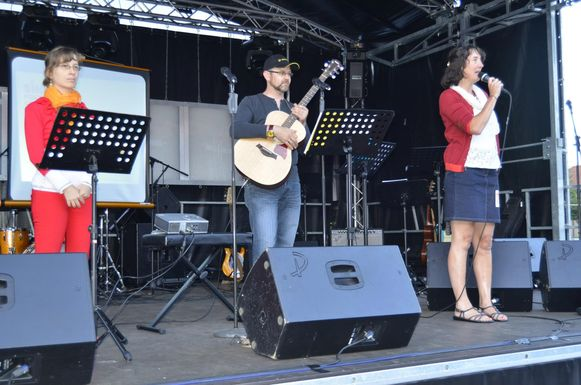 Met Singillis Zingt wordt zaterdagavond de aftrap gegeven van de kermis.
