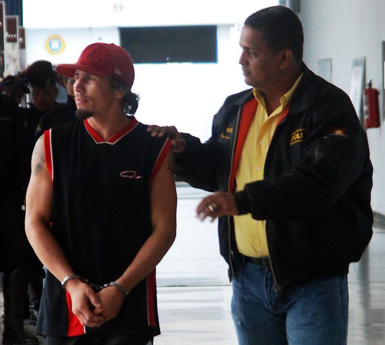 De Venezolaan Valero, wereldkampioen bij de lichtgewichten, zou zijn vrouw doodgestoken hebben in hun hotelkamer.