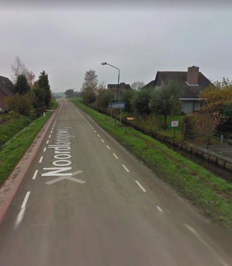 Bewoners Noordlangeweg Willemstad van de regen in de drup: 'Die drempel moet gewoon weg'