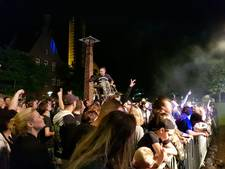 Zolderpop: van nagenoeg leeg plein tot over de koppen lopen in Waalwijk