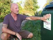 Vinkevener is strontziek van hondenpoep op Bellopad