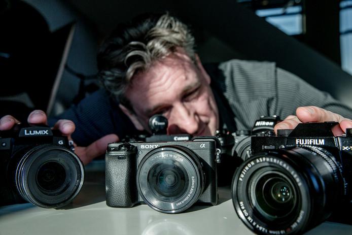 Jeroen Horlings (44) van techsite Tweakers test alles van actiecamera's tot zoomlenzen.