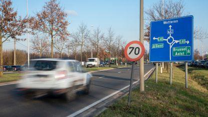 Vlaamse regering zet eerste stappen richting herinrichting N42 tussen Wetteren en Zottegem met extra carpoolparking in Gijzenzele