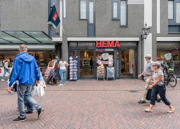 De franchisenemer van deze Hema in Harderwijk gaat het voornemen van de Hema-directie om het winkelcontract met hem te beëindigen, aanvechten.