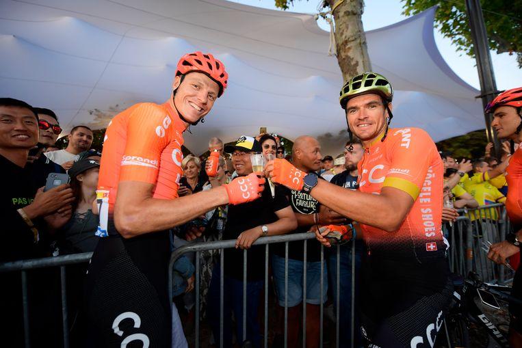 Greg Van Avermaet met ploegmakker Michael Schär.