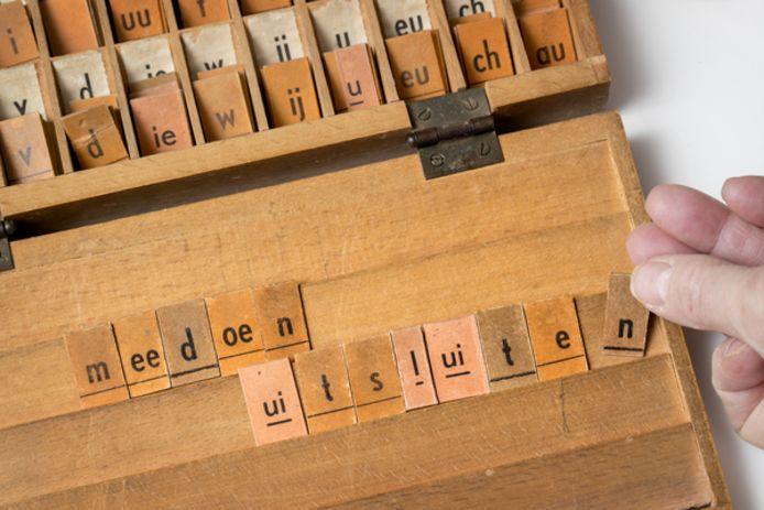 De gemeente Bergen op Zoom wil haar vele duizenden inwoners die moeite hebben met lezen en schrijven helpen, want taalachterstand kan ook gepaard gaan met  werkloosheid en schulden.