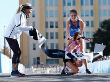 Tiener heldin marathon als ze instortende vrouw aan zege helpt