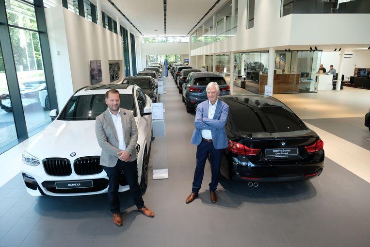 Stijn en Pierre Meeusen in hun nieuwe garage.
