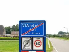 'Welkom in ViAndel': grappenmakers veranderen plaatsnaam in krokante snack