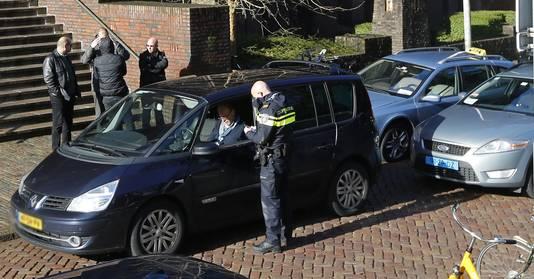 Een Uberpop-chauffeur is klemgereden door taxichauffeurs in Utrecht