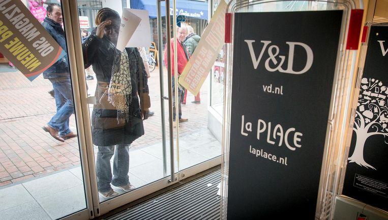 De vestiging van Vroom en Dreesman (V&D) in Hilversum sloot in mei als allerlaatste voorgoed de deuren. Beeld ap