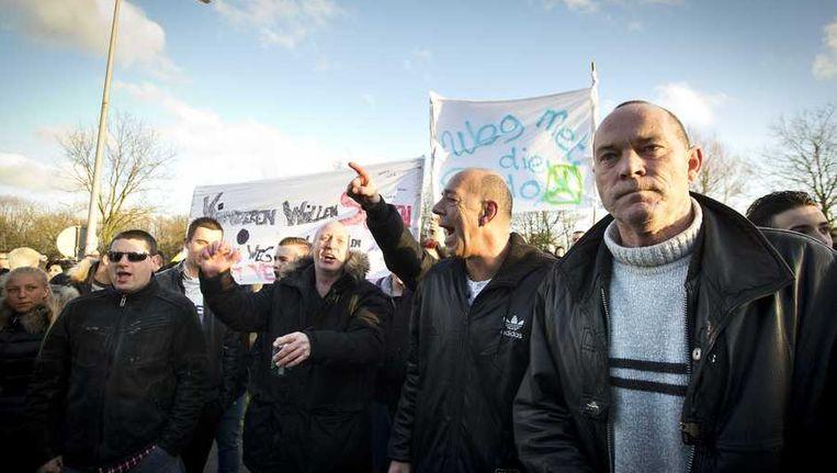 Demonstratie tegen het verblijf van pedoseksueel Benno L. in Leiden. Sinds de bekendmaking daarvan een week geleden, leidt dit tot commotie en onvrede bij een deel van de buurtbewoners. Beeld anp