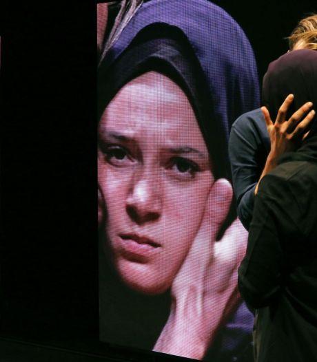 Arnhemse theaters toch open voor gezelschappen uit de stad: 'Blij dat een deel van ons publiek dit kan zien'