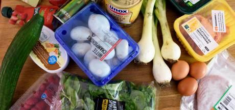 Mensen vragen voedselhulp via Hulplijn Geldstress Eindhoven