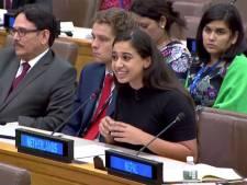 Hajar Yagkoubi uit Helmond krijgt applaus na toespraak in New York voor VN