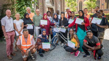 Volwassenen behalen fietsdiploma