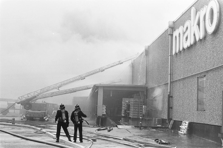 Brand bij de Makro in Amsterdam in 1985, aangestoken door RaRa.