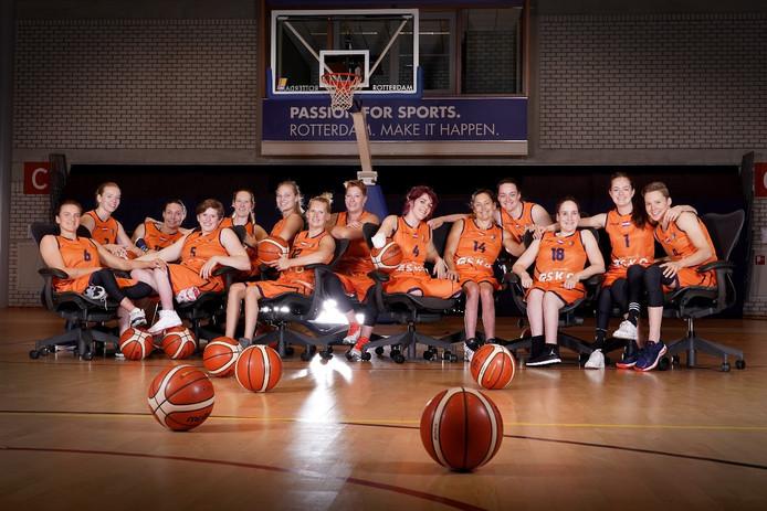 Het damesteam van de Nederlandse rolstoelbasketballers
