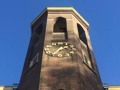 Bewoner torenkamer wordt getikt van geluid voormalige kloosterklok