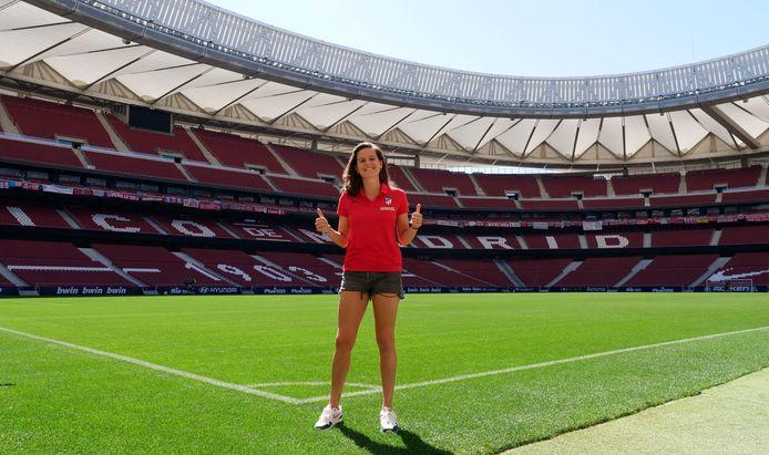 Merel van Dongen bij de presentatie bij Atletico Madrid