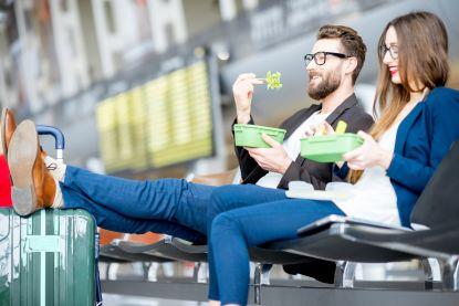Een pizza laten leveren terwijl je op je vlucht wacht aan de gate? Op Schiphol kan het