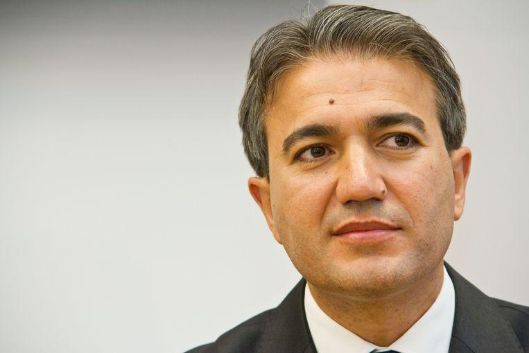 Emir Kir moet zich bij PS-voorzitter Di Rupo verantwoorden voor zijn afwezigheid.