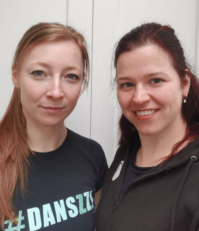 Anouk (links) en Joyce Kuijpers van dansschool Danszz!