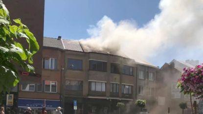 VIDEO :Pot met olie op vuur  : appartement volledig uitgebrand, andere flats eveneens onbewoonbaar