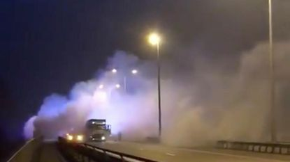 Kettingbotsing E314: praalwagen werd in brand gestoken