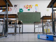 Si les élèves carolos ne peuvent aller à l'école, c'est l'école qui vient à eux