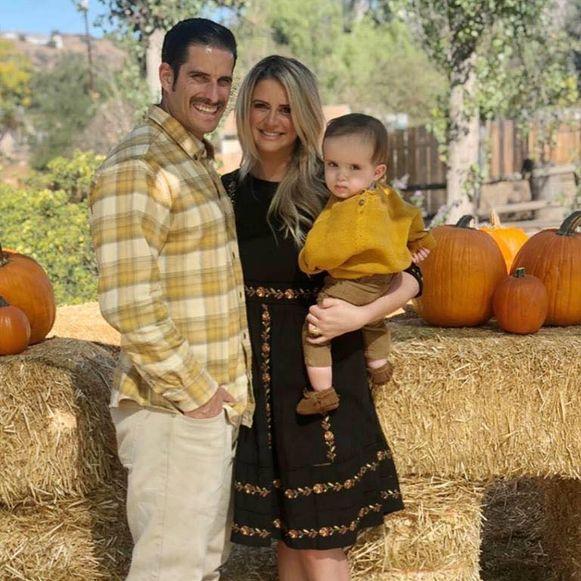 Josh en Lexi Royer met hun zoontje, Charley.