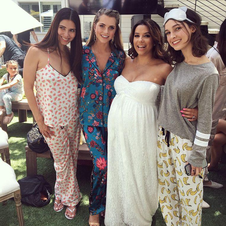 Vieren Vrienden Eva In Van Pyjama Babyshower Haar Longoria T5lKuF13cJ