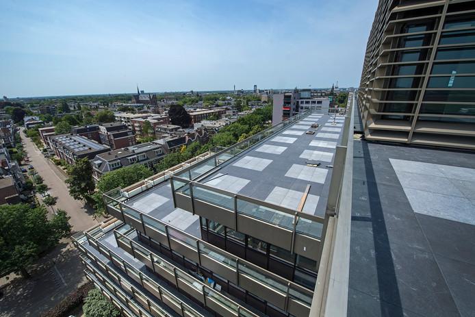 Het uitzicht vanaf het terras van het duurste appartement van Gelderland in Nijmegen.