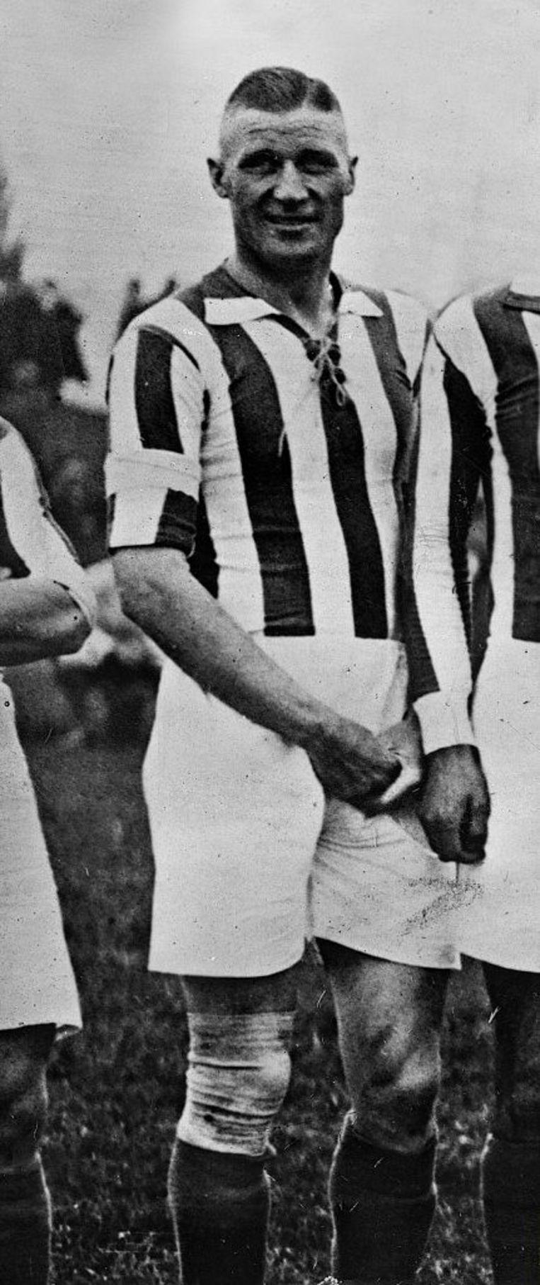 Otto (Tull) Harder, hier in 1928, de populaire voetballer die later SS'er werd in een concentratie-kamp. Beeld ullstein bild via Getty Images