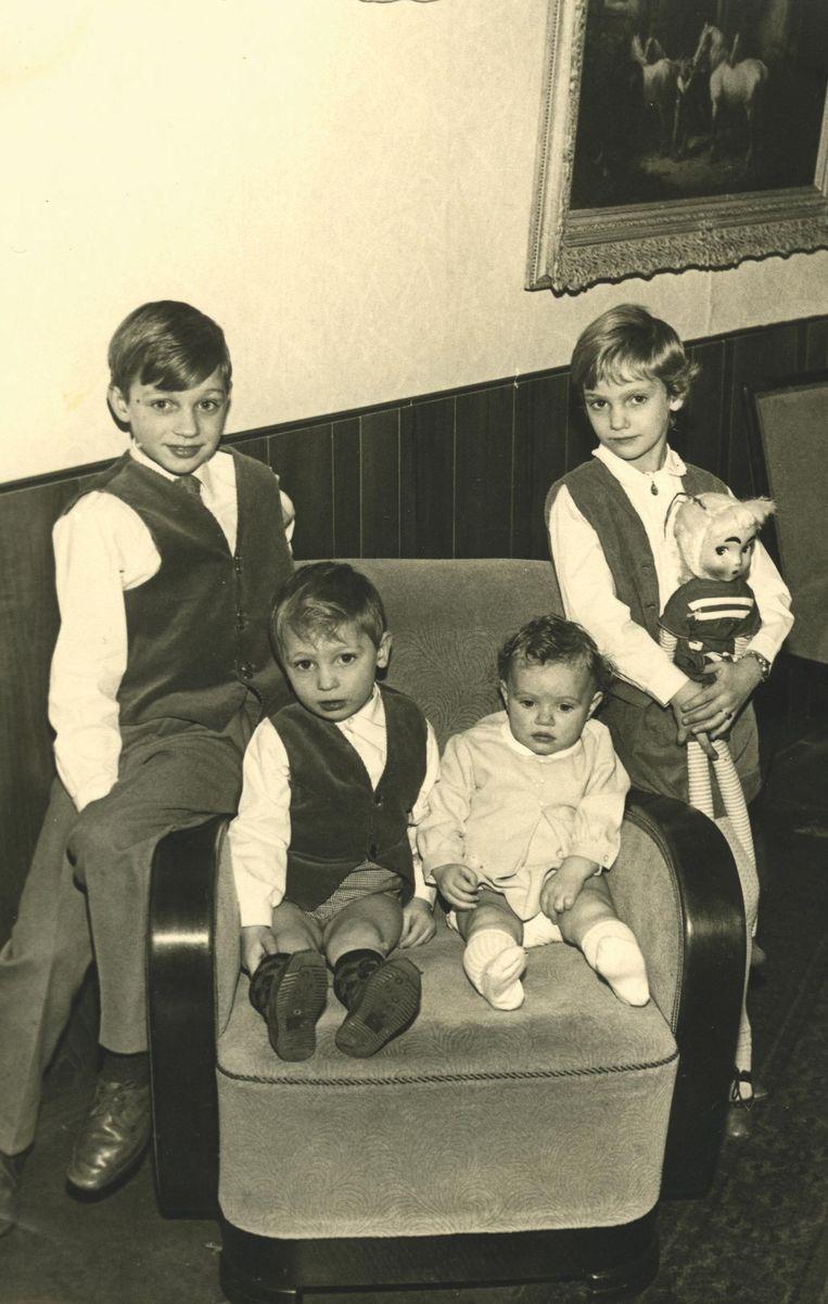 Van links af: Willem, Gerard, Astrid en Sonja (1966). Beeld Privécollectie Stien Leipoldt