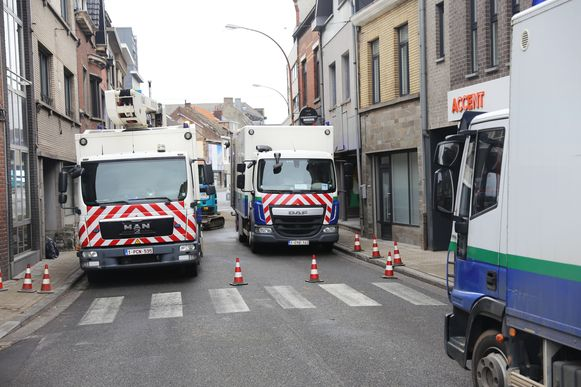 Tot overmaat van ramp ontstond er ook nog een gaslek in de Nieuwstraat, waardoor ook die drukke verkeersader onderbroken werd.