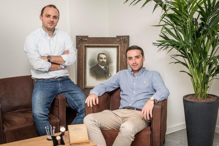 Arnaud en Gauthier Vandeputte hebben hun horloges ontworpen gebaseerd op de ideeën van hun grootvader Jules.
