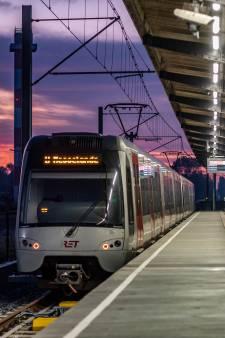 Gemeenten rond Rotterdam kraken plan voor hoger spitstarief in bus, metro en tram