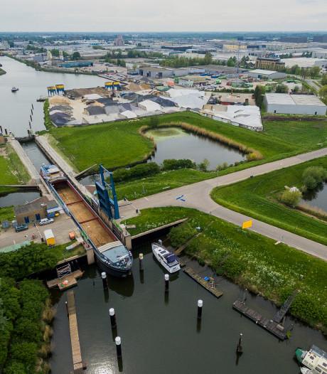 Waalwijk verlost van vervuild slib bij haven, nu de stikstof nog