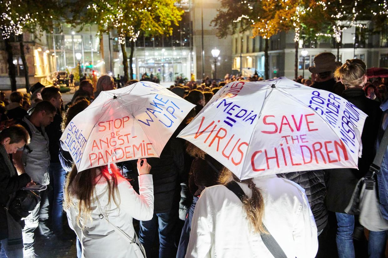 Volkskrant Ochtend Wat Is Het Blad Gezond Verstand Met De Echte Waarheid Over Corona En 9 11 Protesterende Jongeren Uit Thailand Hongkong En Taiwan Vinden Elkaar In Milkteaalliance De Volkskrant
