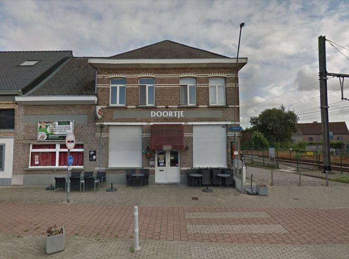 Café Doortje aan het station van Berlaar.
