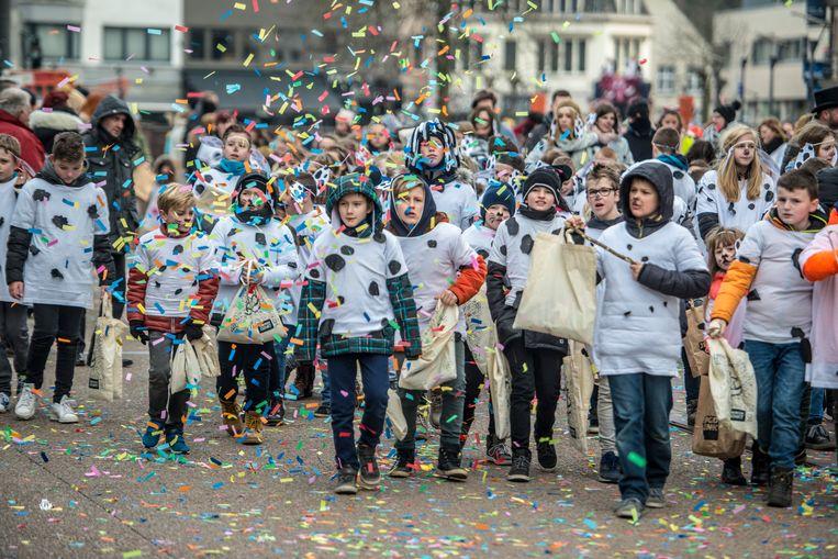 Geen kinderstoet dit jaar in Genk vanwege scholen die afhaken om deel te nemen. Stad en de carnavalverenigingen zorgen voor twee alternatieven.